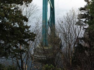vancouver-bc-january-5-2017-the-lions-gate-bridge-as